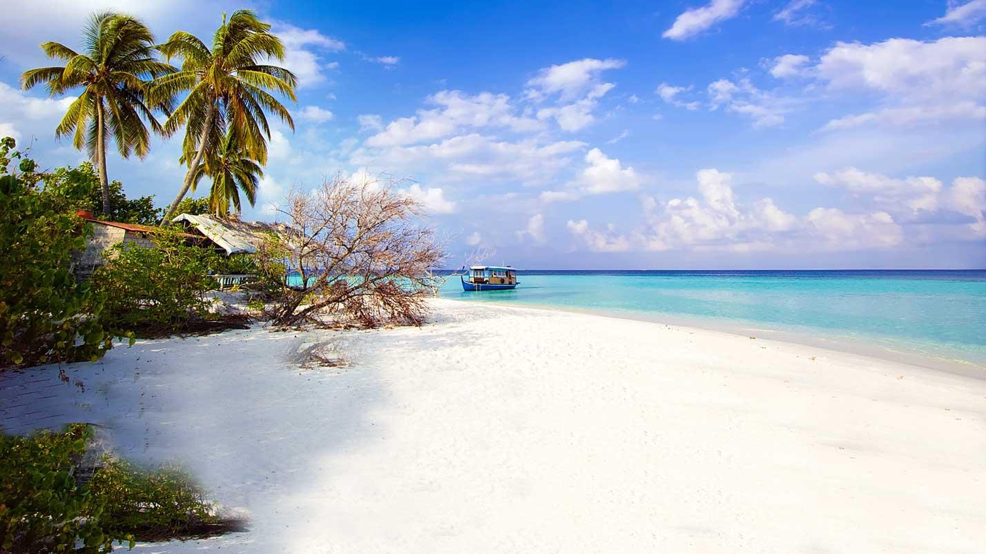 Bidadari-island-beach
